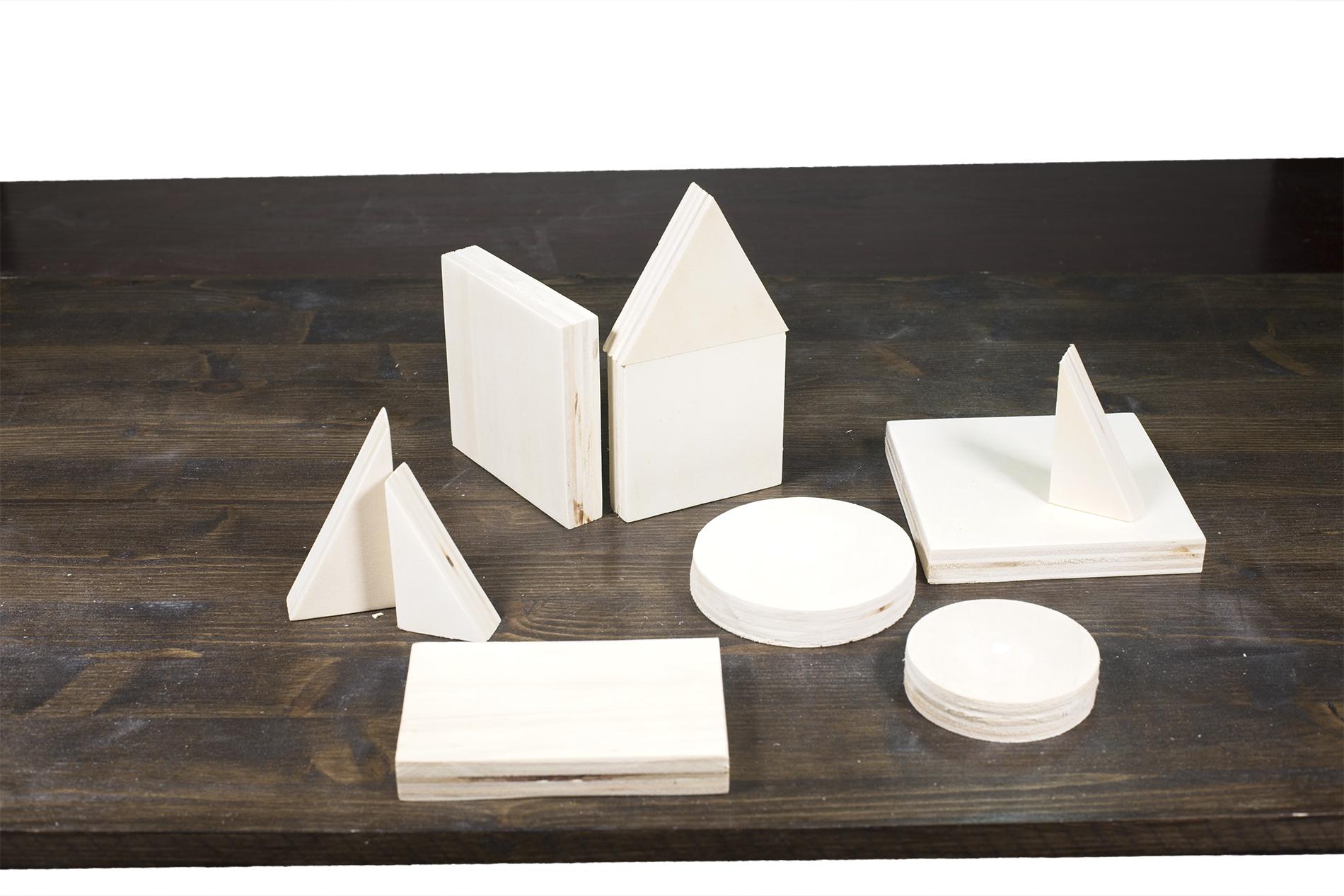 Figure Geometriche Fatte Di Legno - Casetta