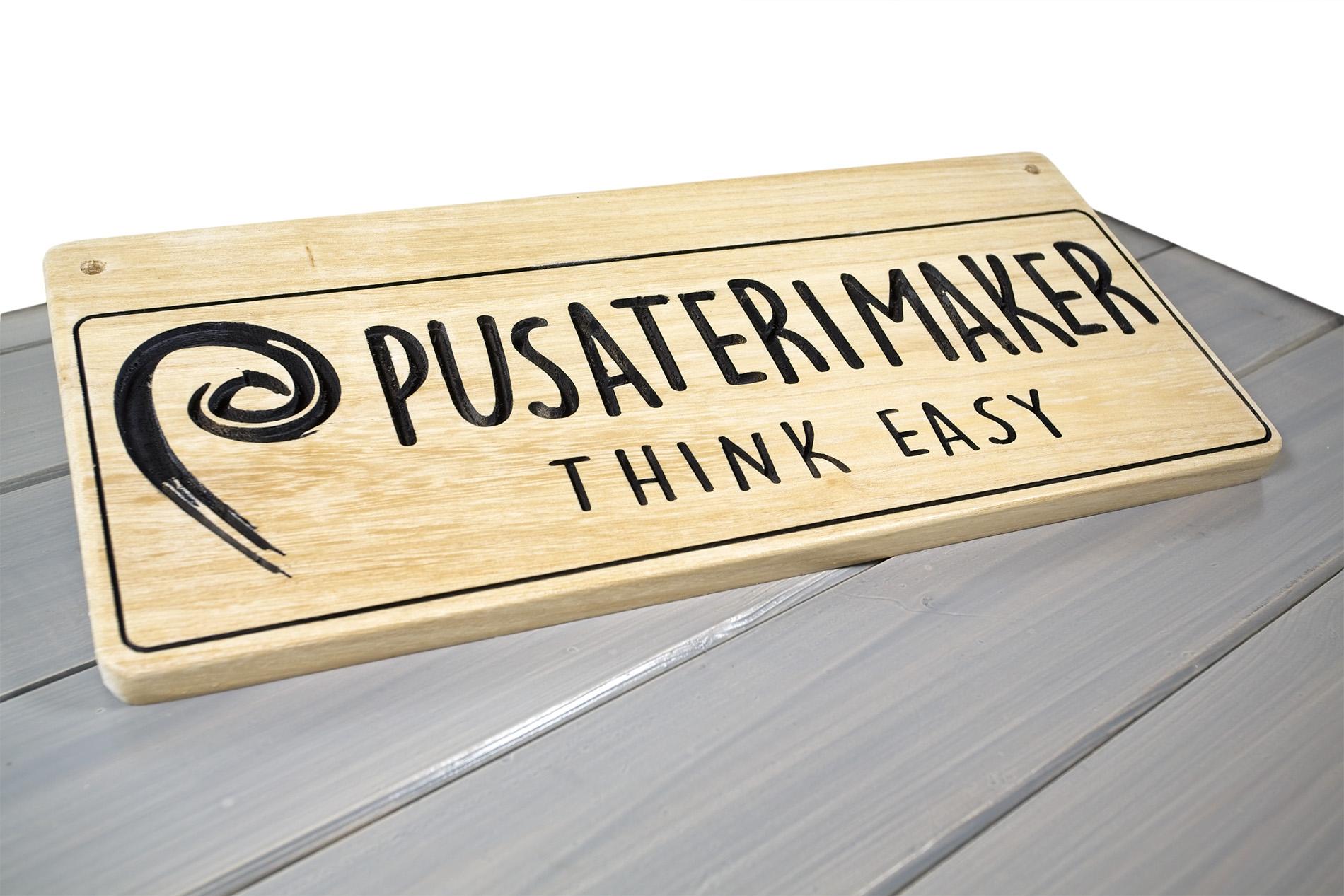 Pusateri Maker Insegna Di Legno Per Esterno Think Easy