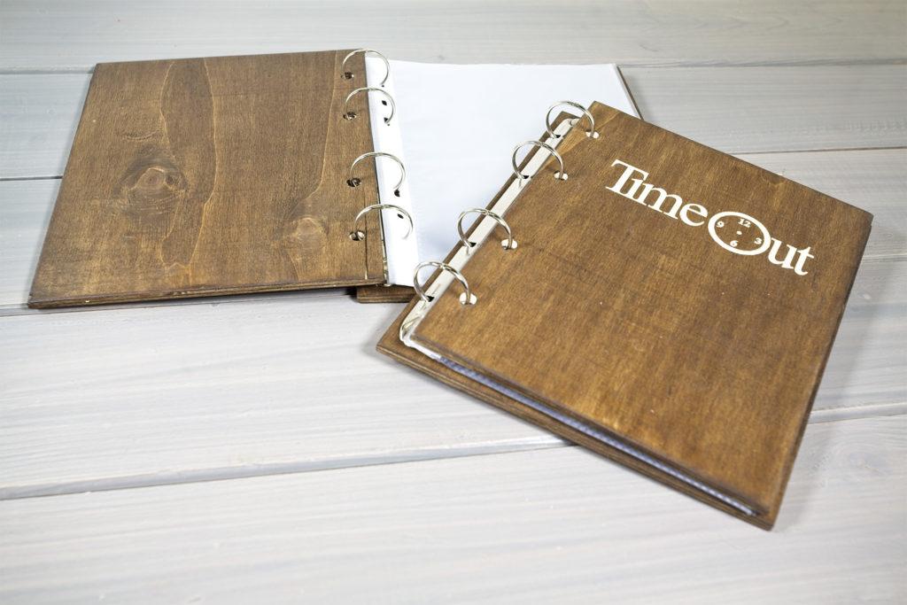 Portamenu Papireto per fogli A5 personalizzato Time Out